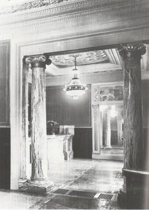 Pasticceria Romana Succ. Bass, interno, 1918-20, in L'Architettura Italiana, n. 6, giugno 1920 (riproduzione da libro: A. Job, M. L. Laureati, C. Ronchetta, 1984, p. 59, n. 4)