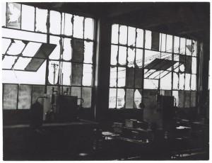 s.l. [Fiat Lingotto?]. Edificio industriale non identificato. Effetti prodotti dai bombardamenti del 6 settembre 1940. UPA 0405D_9A01-06. © Archivio Storico della Città di Torino
