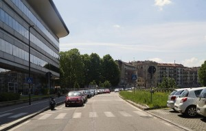 Campus Einaudi, lungo Dora, a sinistra giardino Pozzo. Fotografia di Angela Caterini, 2017