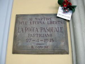 Lapide dedicata a Pasquale La Rocca