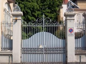 Pietro Fenoglio, Palazzina Ostorero, 1900, particolare dell'ingresso. Fotografia L&M, 2011.