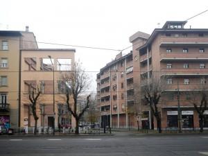 Edifici residenziali, resti della facciata di Schiapparelli Farmaceutica. Fotografia di Gianluca Beltran Komin, 2015