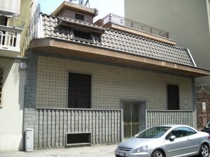 Edificio di civile abitazione in via Limone 20