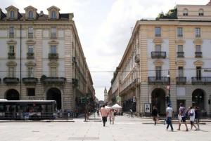 Via Roma 2, angolo piazza Castello. Fotografia di Nicole Mulassano, 2015