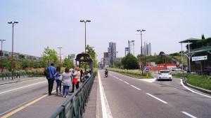 rea Michelin Torino Dora, Condomini ed Environment Park a destra. Fotografia di Luca Davico, 2015