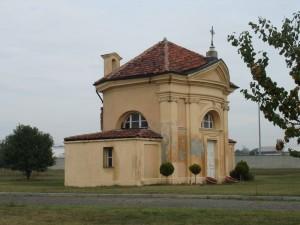 Prospetto meridionale della cappella Tarino. Fotografia di Gianfranco Ingardia, 2012.
