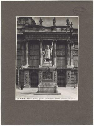 Vincenzo Vela, Monumento all'Alfiere dell'Esercito Sardo, 1856. Fotografia Dall'Armi, 1911-1928. © Archivio Storico della Città di Torino