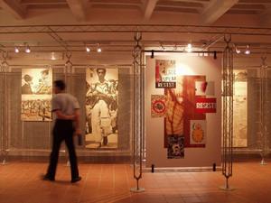Scorcio della sala che accoglie le mostre temporanee. © Museo Diffuso della Resistenza, della Deportazione, della Guerra, dei Diritti e della Libertà