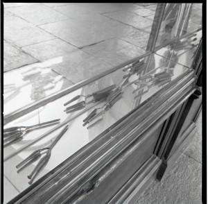 Stile Liberty, parrucchiere, attrezzi, 1998 © Regione Piemonte