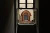 Una delle finestre ogivali di casa Romagnano. Fotografia di Paolo Gonella, 2010. © MuseoTorino.