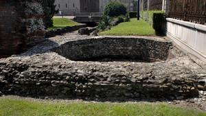 I resti della torre delle mura romane presso il teatro romano (3). Fotografia di Plinio Martelli, 2010. © MuseoTorino.