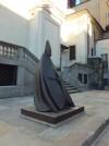 Giacomo Manzù, Grande cardinale seduto, 1983-2004, piazza San Giovanni. Fotografia di Paola Boccalatte, 2014. © MuseoTorino