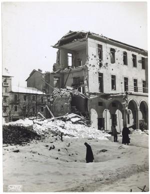 Istituto Missionari della Consolata, Corso Francesco Ferrucci 14. Effetti prodotti dai bombardamenti dell'incursione aerea dell'8-9 dicembre 1942. UPA 2793D_9C06-58. © Archivio Storico della Città di Torino