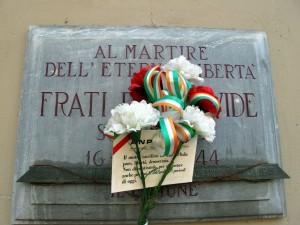 Lapide dedicata a Frati Pier Davide (1928 - 1944)