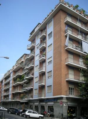 Edificio di civile abitazione in via Aosta 16