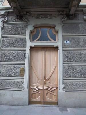 Pietro Fenoglio, Casa Macciotta, 1904, particolare dell'ingresso. Fotografia L&M, 2011.