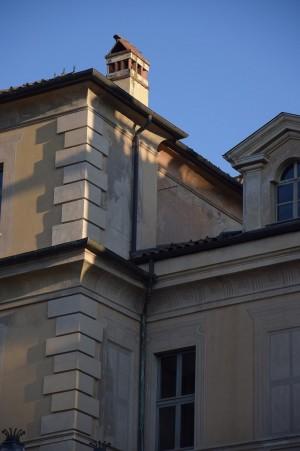 Orologio solare, Villa della Regina