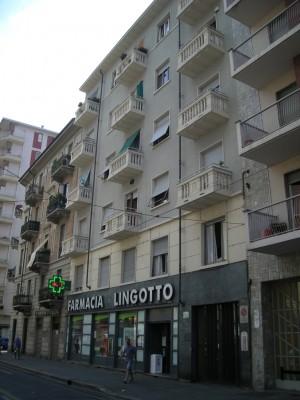 Edificio a uso abitazione e negozi in via Nizza 354