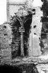 Resti di una bifora scoperta durante le demolizioni di fine Ottocento del