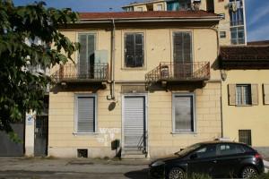 Casa di via Aosta 137 dove era ubicata la famosa osteria del Gelso. Fotografia Giuseppe Beraudo, 2009