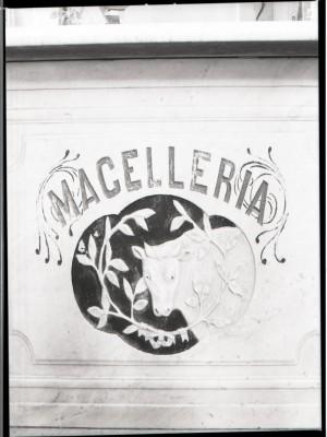 Macelleria Lovera, insegna (part.), 1998 © Regione Piemonte