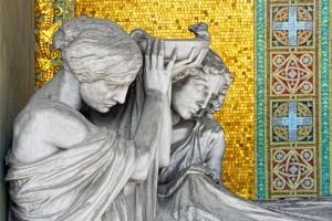 """21 AIII Edoardo Rubino (1871-1954) scultore e Giulio Casanova (1865-1971) mosaici, Tomba Porcheddu, 1912 (Arcata 51); firmata e datata """"ED.RUBINO 1912"""". Fotografia di Roberto Cortese, 2018"""
