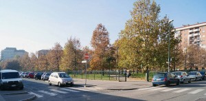Area ex Capamianto, edifici residenziali, giardini. Fotografia di Francesca Talamini, 2015