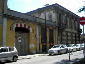 Ex Opificio Venchi – Ex Opificio Militare, da via Farini. Fotografia di Silvia Bertelli.