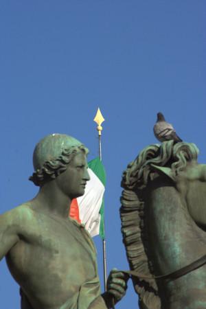 Statue di Castore e Polluce, particolare. Fotografia di Giuseppe Caiafa, 2011