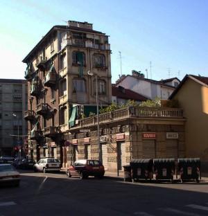 Edificio di civile abitazione in Via Alessandro Scarlatti. Fotografia Giuseppe Beraudo, 2005