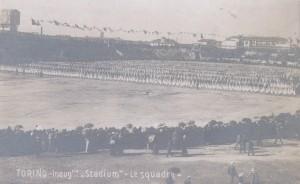 29 aprile 1911: cerimonia inaugurale dello Stadium in una cartolina d'epoca.
