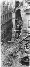 Via Santa Teresa n. 20 angolo Via San Tommaso. Effetti prodotti dai bombardamenti dell'incursione aerea del 9 dicembre 1942. UPA 3051_9F02_58. © Archivio Storico della Città di Torino