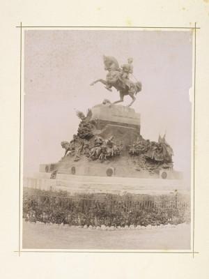 Davide Calandra, Monumento ad Amedeo di Savoia, 1902. Fotografia Brogi. © Archivio Storico della Città di Torino