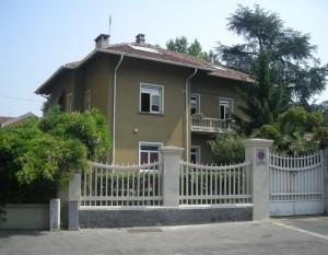Edificio di civile abitazione in via Luigi Cibrario 110/A