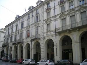 Edificio di civile abitazione in via Po 26