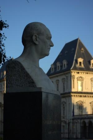 Busto di Guglielmo Marconi