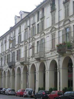 Edificio di civile abitazione e negozi Via Po 48 già 46