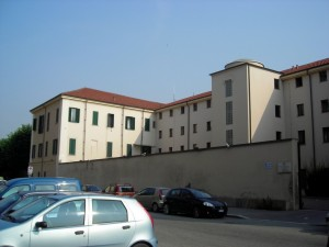 L'Istituto per Minori verso corso Unione Sovietica da via Berruti e Ferrero. Fotografia di Silvia Bertelli.