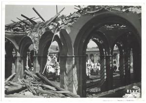 Cimitero Monumentale, Corso Novara (già Corso Tortona 76-78). Effetti prodotti dai bombardamenti dell'incursione aerea del 13 luglio 1943. UPA 3664_9E01-57. © Archivio Storico della Città di Torino/Archivio Storico Vigili del Fuoco