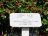 Targa dedicata a Primo Levi, tra corso Massimo D'Azeglio e Viale Matteo Maria Boiardo. Fotografia di Alessandro Vivanti, 2013