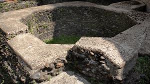 I resti della torre angolare romana presso il santuario della Consolata. Fotografia di Plinio Martelli, 2010. © MuseoTorino
