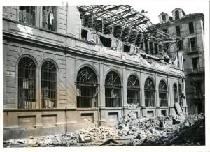 Biblioteca civica Centrale, via Perrone, l'edificio dopo il bombardamento, 1943. Biblioteca civica Centrale © Biblioteche civiche torinesi