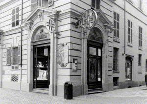 Farmacia Bestente già Operti, esterno, 2001 ©Politecnico di Torino