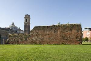 Resti delle mura romane presso la Porta Palatina (2). Fotografia di Marco Saroldi, 2010. © MuseoTorino.