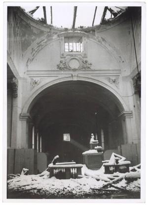 Via Camillo Benso di Cavour, Ospedale San Giovanni. Effetti prodotti dai bombardamenti dell'incursione aerea del 28 Novembre 1942. UPA 2218_9C01-01. © Archivio Storico della Città di Torino