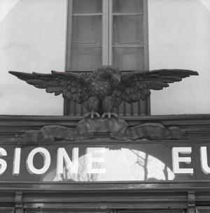 Dimensione Europa, già Debois, particolare del portinsegna, 1998 © Regione Piemonte