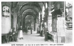 Caffè Negrita, veduta dell'antico Café des français, ripresa fotografica del 1905-1911 (riproduzione da libro: L. Artusio, M. Bocca, M. Governato, 2005, p. 70, n. 128)