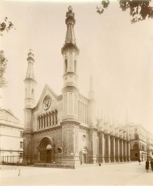 Tempio Valdese. Fotografia di Mario Gabinio, 8 agosto 1925. © Fondazione Torino Musei.