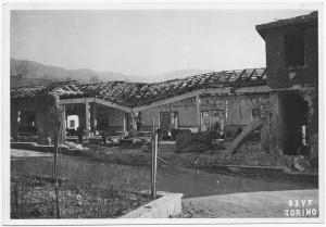 """Villar Perosa (Torino) s.l. """"Spaccio aziendale RIV"""". Effetti prodotti dai bombardamenti dell'incursione aerea del 3 gennaio 1944. UPA 4325_9E05-16. © Archivio Storico della Città di Torino/Archivio Storico Vigili del Fuoco"""
