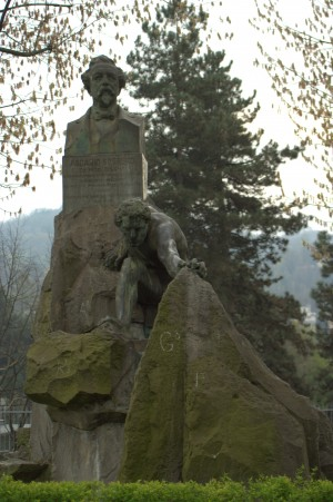 Giorgio Ceragioli e Cesare Biscarra, Busto di Ascanio Sobrero. Fotografia di Giuseppe Caiafa, 2011